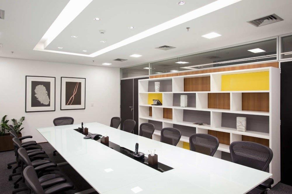 8 tips for designing a conference room that 39 ll wow clients for Room 8 design